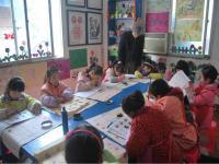 孩子上儿童美术培训班好处多多