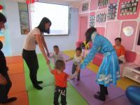 东方爱婴带着小宝宝们一起开启音乐社交情商大课堂