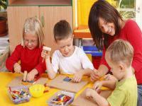 生动有趣又具有教育意义的儿歌或者童谣却让小孩子很乐于接受