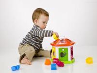 孩子带着零食和玩具去幼儿园好不好